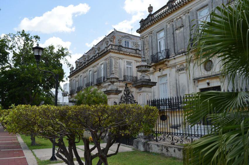 Merida et son Histoire Extraordinaire Blog Yucatan Solidaire 850x565
